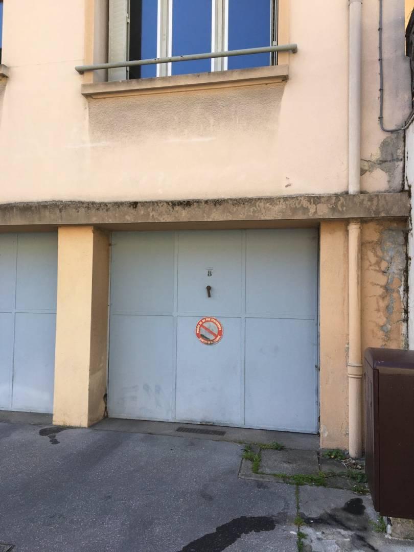 2 22 Lyon 4ème
